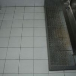 Web_bathroomgrout_before